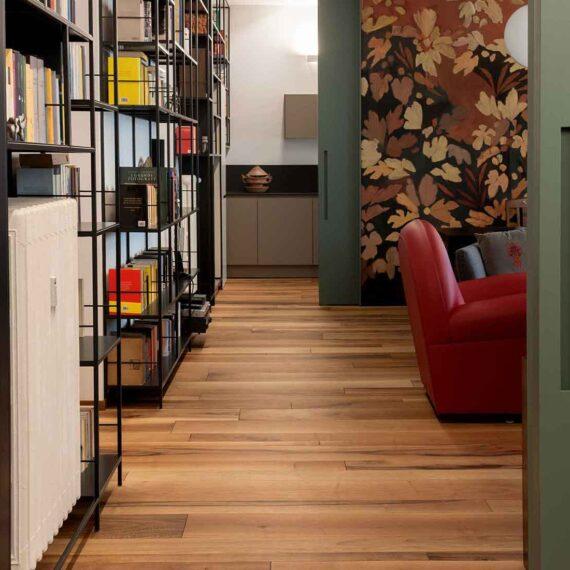 Dettaglio parquet noce nazionale collezione Bottega