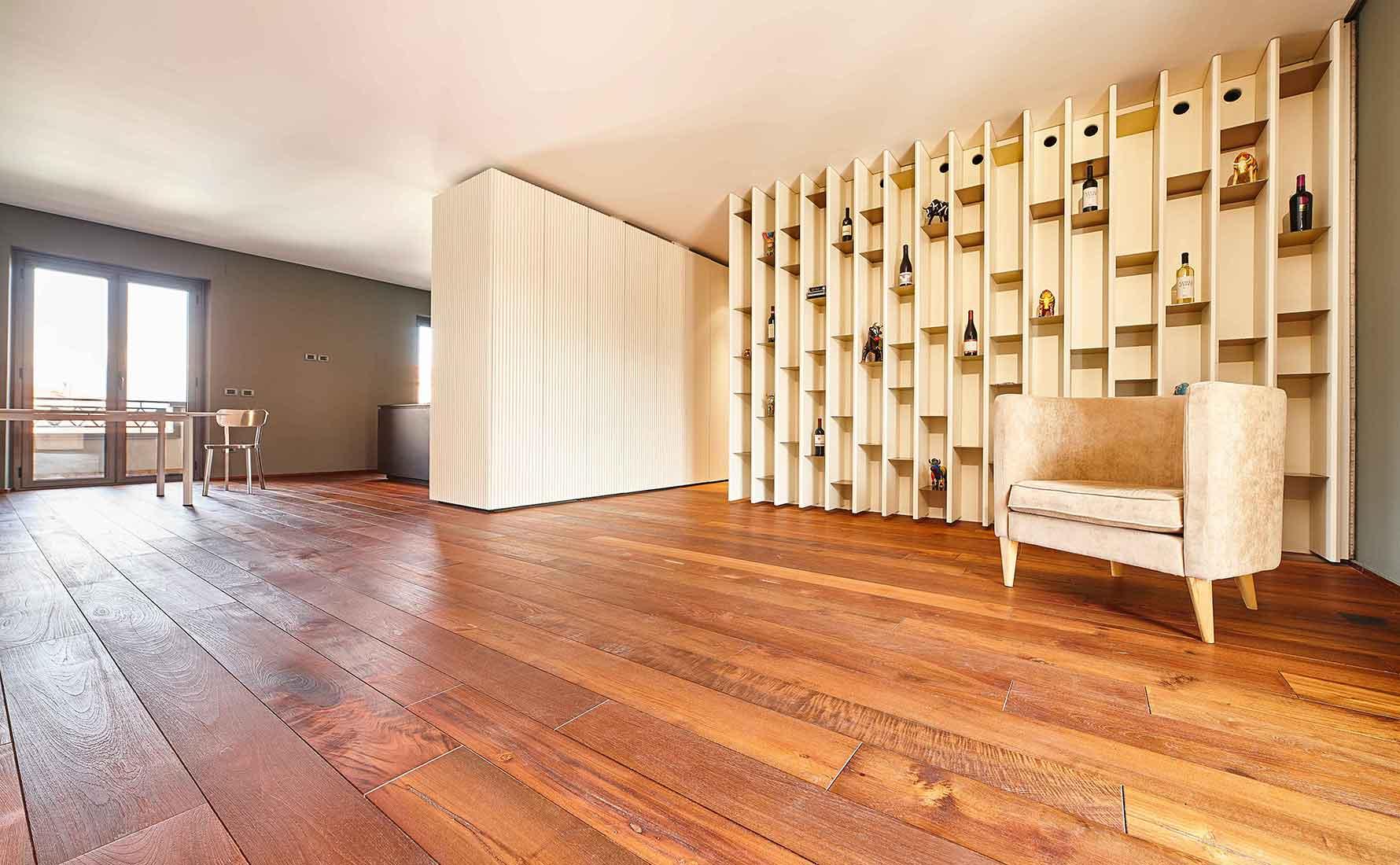 Salone con parquet teak 2 strati collezione Classica