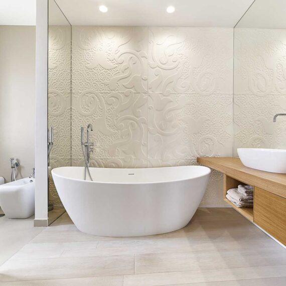 Dettaglio bagno con parquet in quercia francese collezione Bottega