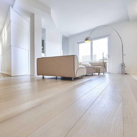 Appartamento a Salerno con parquet in quercia francese collezione Bottega