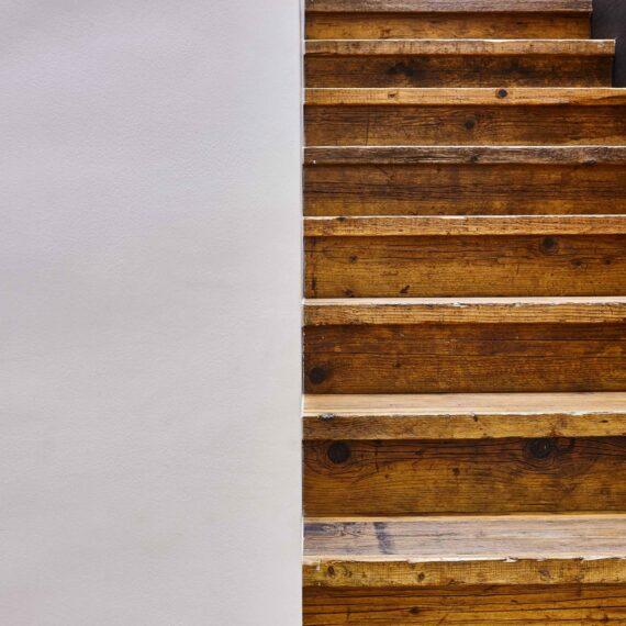 dettaglio scale parquet abete di recupero collezione bottega 1